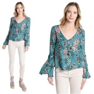 """Cupcakes and Cashmere """"Nadette"""" Floral Top Medium"""